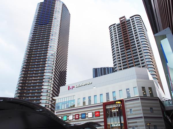 武蔵小杉駅降りてすぐ