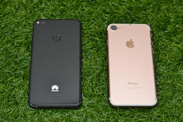 nova lite とiPhone7の比較