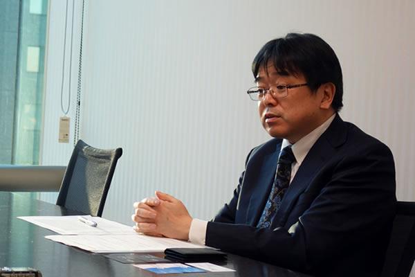 売れ行きの鈍いファンドについて言及するSBI証券の橋本さん