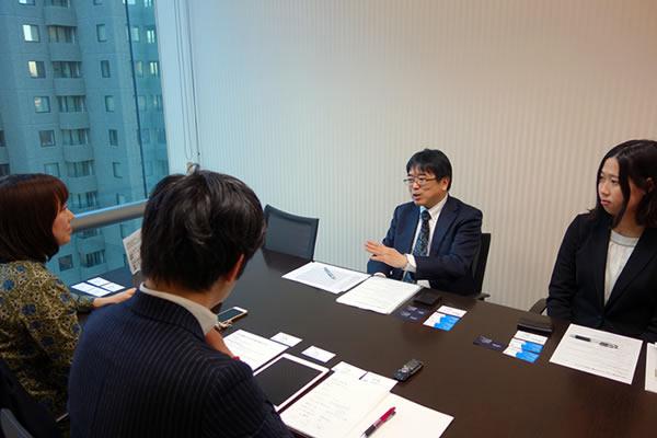 iDeCoの加入者について語るSBI証券の橋本さん