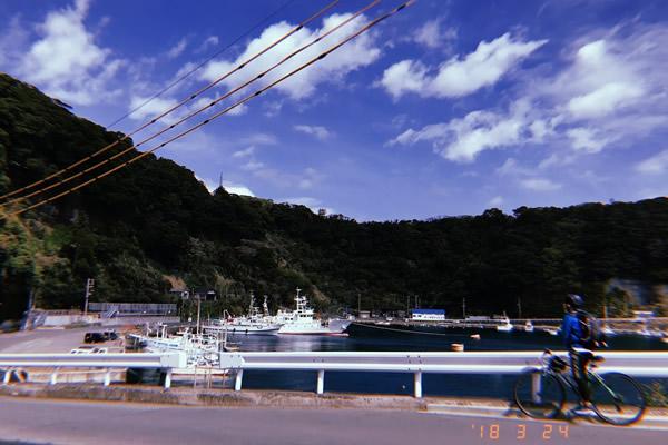 伊豆大島の波浮港とチャリ