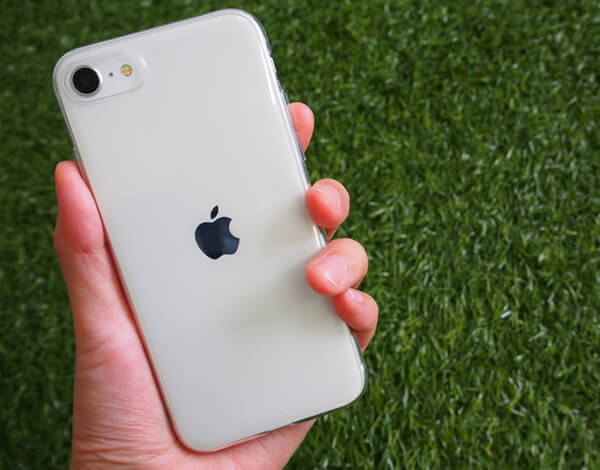 iPhone SE2対応の極薄TPUケース