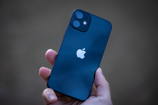 iPhone 12(ブルー)